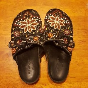 Rampage size 9 beaded cloth clogs